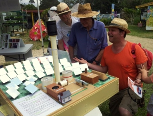 Mayor Simon Richardson with Beyond Zero Emissions salt solar model at Mullum with Jim Beatson and maker